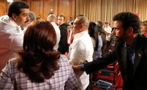 Capriles duda del acercamiento de Maduro
