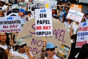 El País: El régimen venezolano ahoga a la prensa