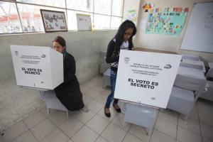 Correa acepta revés en Quito y Guayaquil al conocer resultados extraoficiales