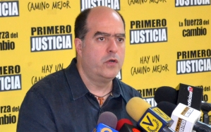 Julio Borges: El Gobierno castiga a los venezolanos en lugar de resolver el caos económico