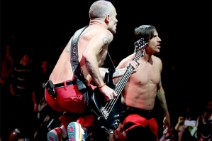 Red Hot Chili Peppers confesó que hizo playback en el Super Bowl