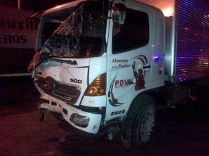 Gandola de Pdval perdió los frenos y chocó con cinco carros (Foto)