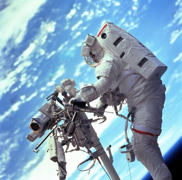NASA fotografias inspiradas en gravity (7)