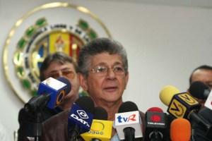 """Ramos Allup: El """"como sea"""" del Gobierno da licencia a los colectivos para sus fechorías"""