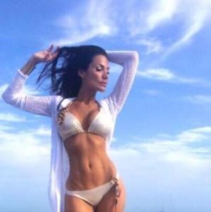Sí, Caterina Valentino te propina otro infarto fulminante con su más reciente FOTO