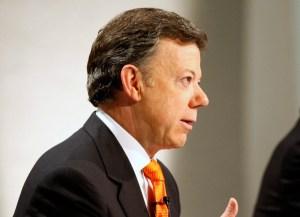 Presidente Santos denuncia falsificación de su firma