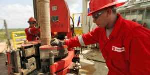 Pdvsa mantiene producción de crudo en casi 3 millones de barriles diarios