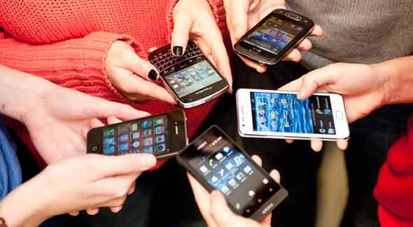 La tecnología no es una droga –en el sentido tradicional que se asocia a la palabra droga. Pero una relación peculiar está teniendo lugar en la cultura juvenil