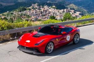 Automóviles que deseas: El único Ferrari F12 TRS que existe (recién salido del horno)