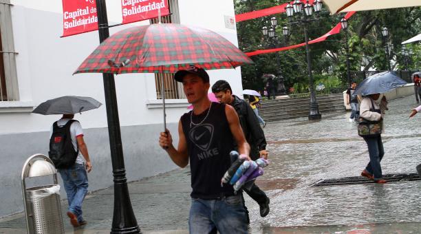 lluvias_y_paraguas