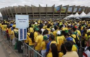 Fanáticos de Brasil y Alemania entusiasmados en Belo Horizonte (Fotos)