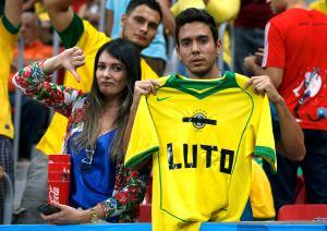 Hasta en el encuentro por el tercer lugar brasileños muestran enojo con su selección (Foto)