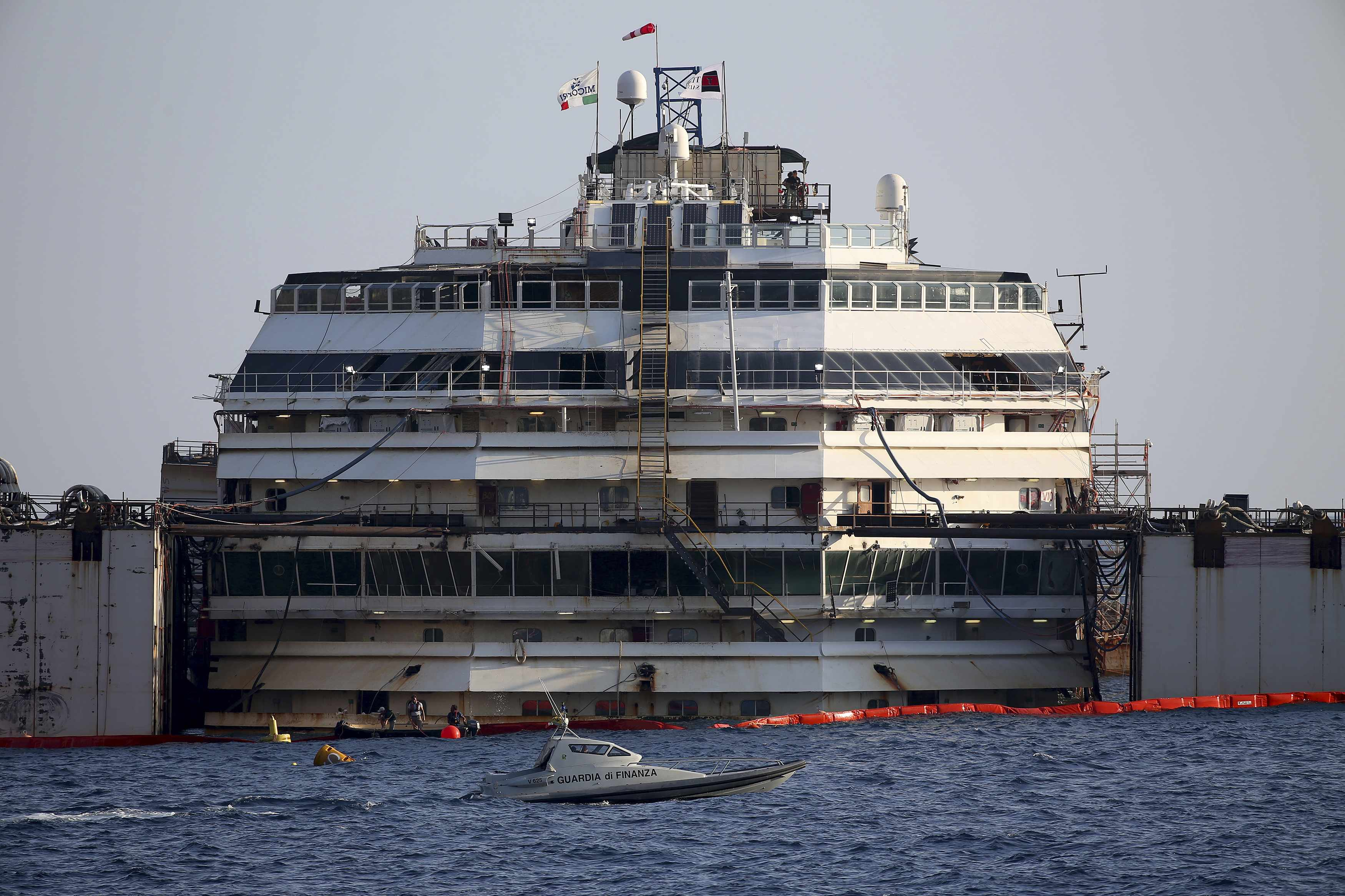 Costa Concordia: Divers to search and recover final