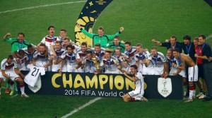 Así levantó la Copa y celebró Alemania su cuarto título Mundial de fútbol (FOTOS)