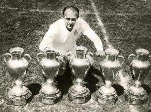 Alfredo Di Stéfano vivió su etapa de más éxitos como entrenador en el Valencia
