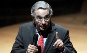 """Uribe califica de """"injusta"""" la condena de 17 años a su exministro Arias"""