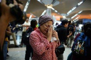 Mujer pierde a parientes en dos desastres aéreos