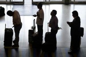 Más razones impulsan a jóvenes a irse del país