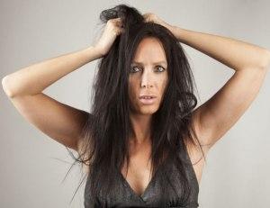 ¿Por qué no es bueno lavarse el cabello a diario?