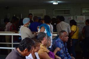 Tras larga espera, pacientes oncológicos en Venezuela reciben a media sus medicamentos