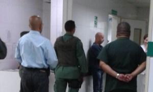 FOTO: Así fue la llegada de Simonovis al Hospital Militar