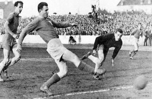Lucien Laurent anotó el primer gol en la historia de los Mundiales de Fútbol