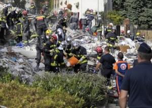 Un fallecido y 12 desaparecidos por explosión de un edificio en Francia (Fotos)