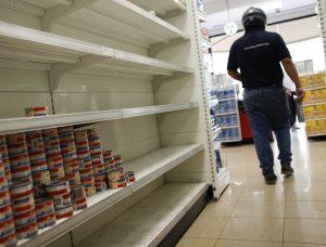 Distribuidores dejan de despachar en supermercados de Los Teques