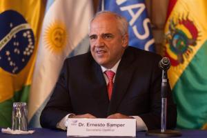 Samper asegura que Unasur puede ayudar a solucionar conflicto colombiano