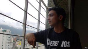 Madre de Lorent Saleh denuncia que lleva un mes sin saber de su hijo