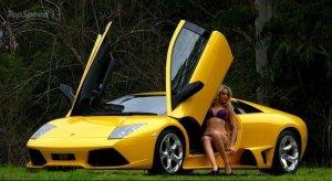 Nenas y naves presenta: Amanda y el Lamborghini Murciélago