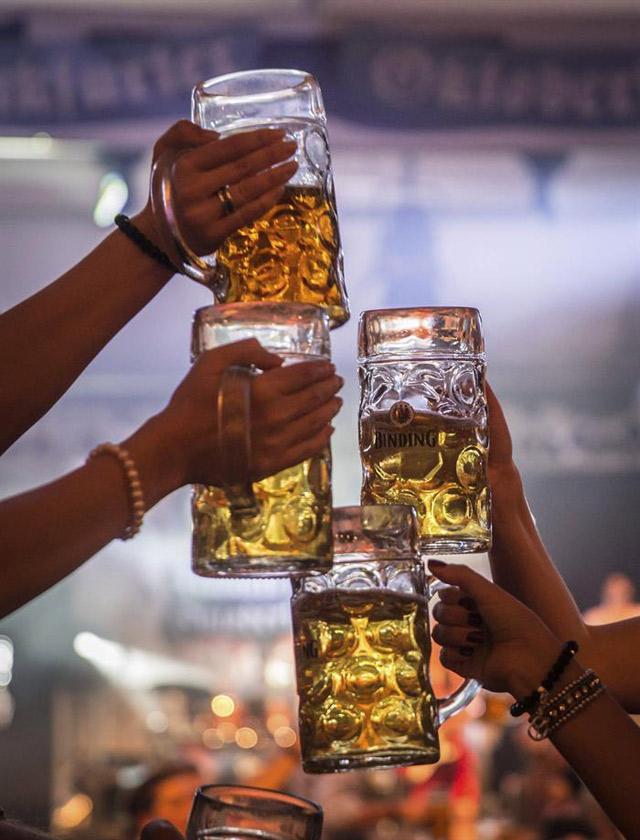 ¿Cómo preparar tu propia cerveza en casa en 5 pasos?