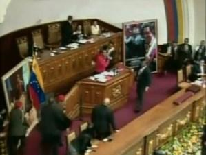 A propósito de su liberación, recordamos el espontáneo momento cuando Yendri Sánchez puso a temblar a Maduro