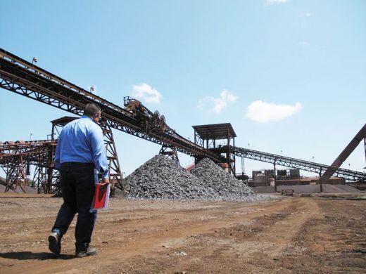 Falta de briquetas y electrodos ahora paraliza la producción de la antigua Sidetur, estatizada en 2011/ Foto Clavel Rangel