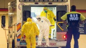 Inmovilizan un avión en Boston por posible contagio de ébola