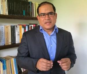 """Carlos Valero: """"Con la captahuellas el gobierno está culpando a los venezolanos de ser acaparadores"""""""
