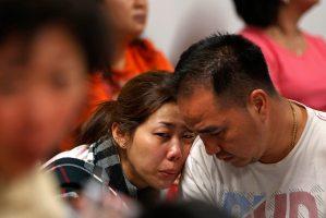 La operación de búsqueda cree que el avión de AirAsia se estrelló en el mar