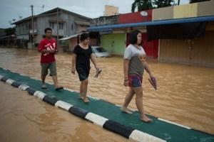 Inundaciones en Malasia dejan miles de afectados (Fotos)