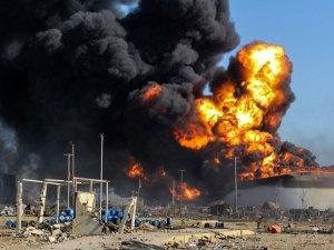 Incendio en tres depósitos en Libia se ha expandido