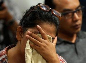 En imágenes: Reina la desesperación en familiares tras noticia de avión extraviado