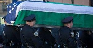 Cientos de personas despidieron en funeral a policía asesinado en Florida