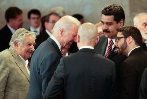 Biden y Maduro se saludan en Brasil (Fotos)