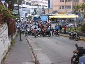 Protesta de motorizados en El Llanito por la inseguridad