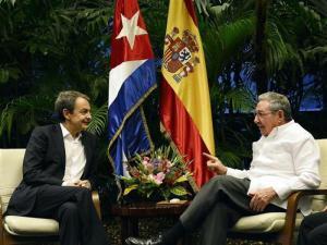Raúl Castro recibe a Zapatero en La Habana