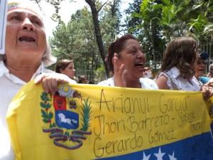 Madres venezolanas marcharon hasta la Nunciatura por asesinatos de jóvenes (Fotos)