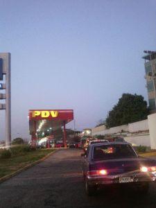 Persisten colas en las estaciones de servicio de Maracaibo
