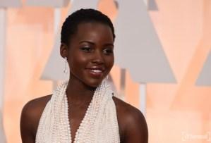 Se robaron el vestido de perlas que uso Lupita Nyongo en los Oscar