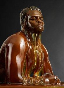 ¿Delicioso o repugnante? Personas cubiertas de miel (Fotos + Video)