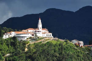 Santuario de Monserrate, icono del turismo religioso en Colombia