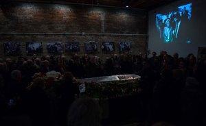 Miles de personas dan su último adiós al opositor Nemtsov en Moscú (Fotos)